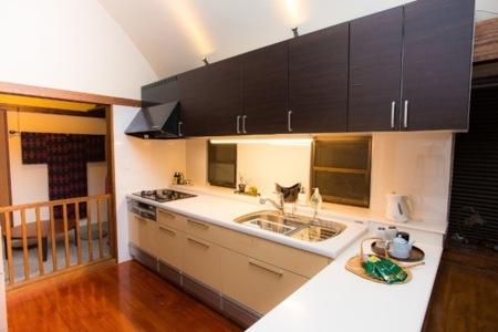 キッチンには全ての調理器具が揃っています