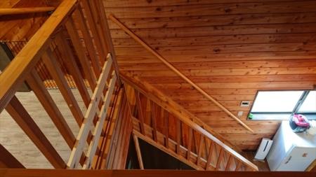 2階ベッドルームの階段前に可動柵を設置