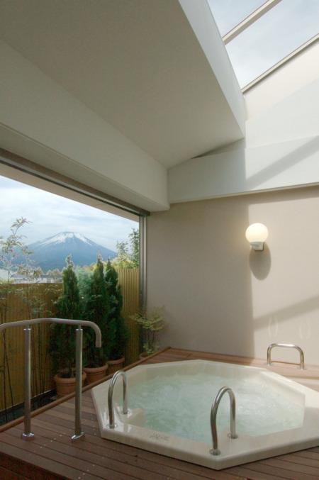 ジャグジーからは富士山も