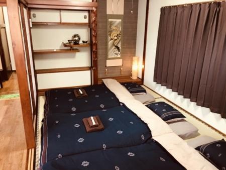 2階:6畳部屋・寝室