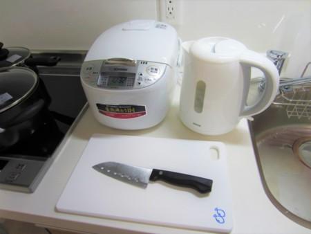 炊飯器・電気ポット・まな板包丁