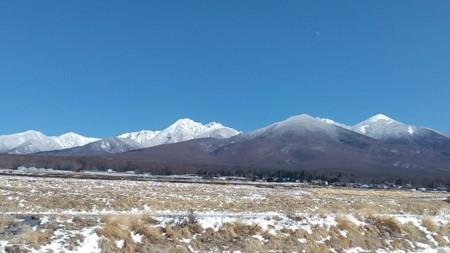 町中心街から見る冬の八ヶ岳