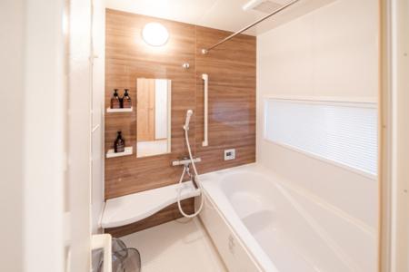 バスルーム(トイレも2ヶ所あり)