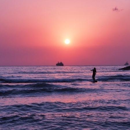 夏の夕陽はピンク色になる事が多いです