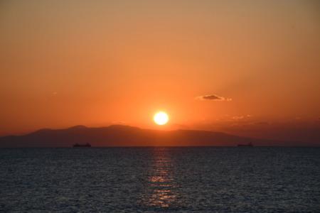 大島に落る夕陽を見ながらリラックスタイム