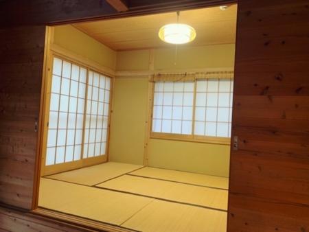 リビングから小上がりの和室。6畳