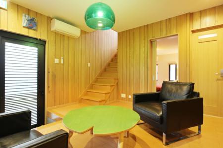 1階フリースペース、玄関