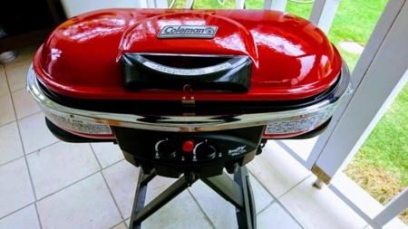 ガス式グリルがあれば火起こしも簡単。