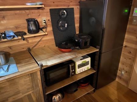 電子レンジ、トースター、炊飯器完備