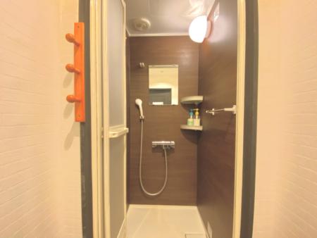 シャワー室です