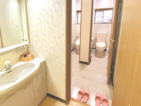 女性用のトイレです