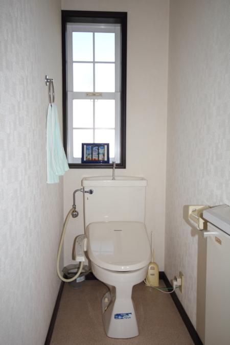トイレは一階と二階にあります。
