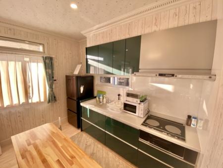 広々とした清潔感溢れるキッチン