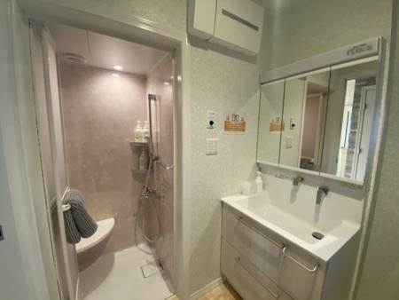 大人数でも安心、シャワー完備