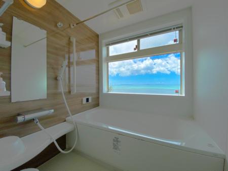 バスルームから見えるオーシャンビュー