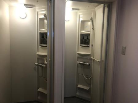 1階 シャワー室