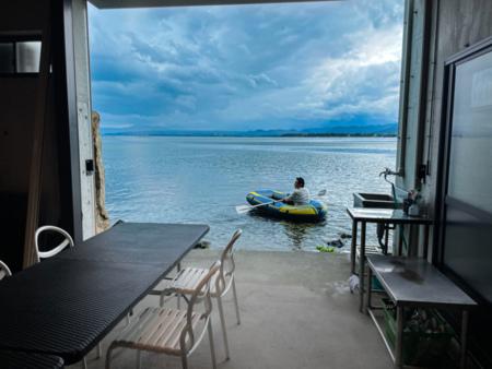 艇庫から直接琵琶湖へ出られます!