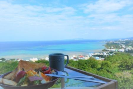 海を眺めながら朝食はいかがですか?