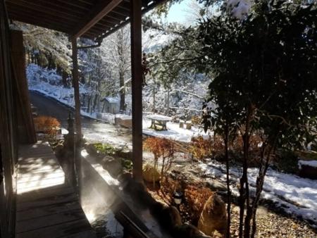 冬の縁側と足湯