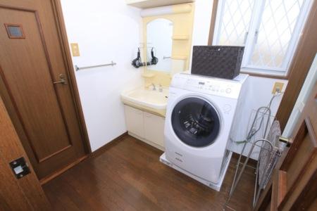 洗面台、洗濯機