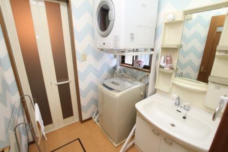 洗面台、洗濯機、乾燥機