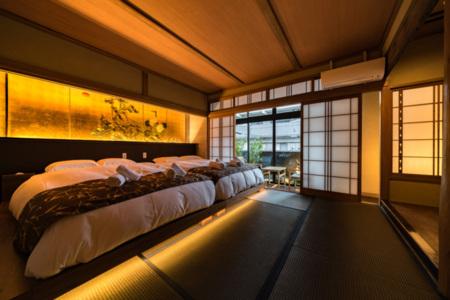 2階寝室B(ダブルベッド×2)