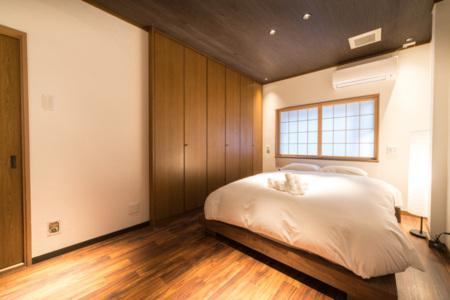 1階寝室A(クイーン×1)