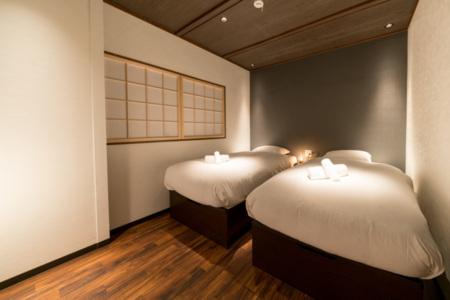2階寝室C(シングルベッド×2)