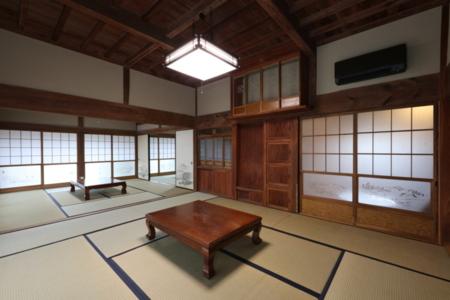 和室10畳・8畳・6畳が続いています。