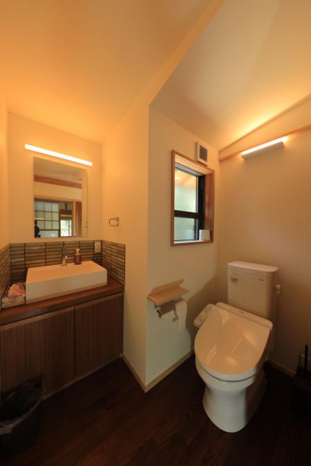 洗面・トイレは2ヵ所あります。