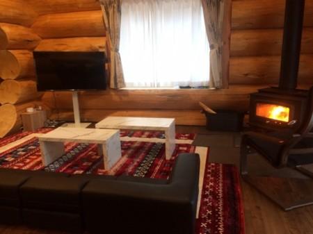 暖炉を見ながら、リラックス