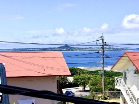 2Fベランダから伊江島見えます♪