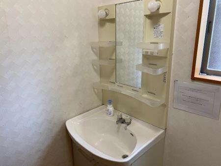 洗面所スペース広々