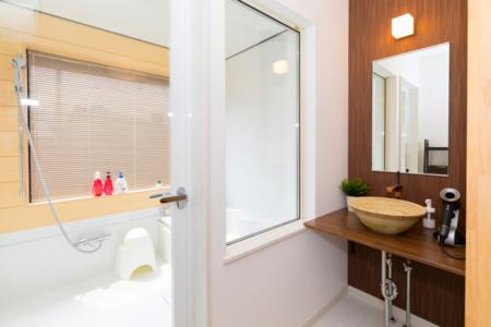 2階浴室と洗面所