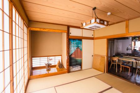 落ち着きのある和室。掘りごたつでほっこり