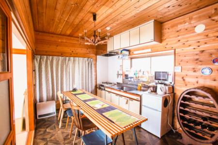 キッチン、調理用具完備