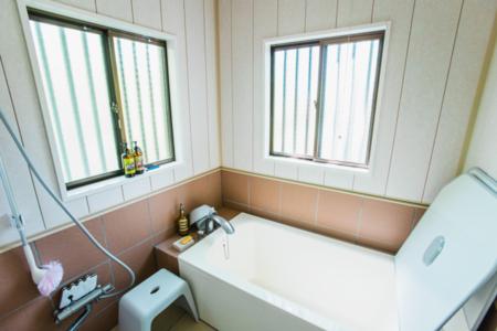 リフォームされた清潔な浴室