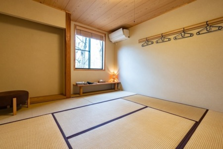 和室1部屋、布団は4つご用意しています。