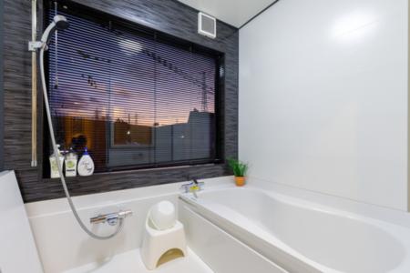 2F大き目な浴室
