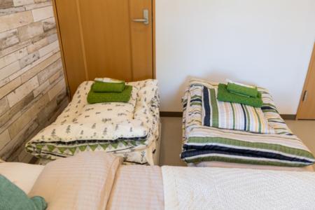 寝室1,敷き布団2組あり