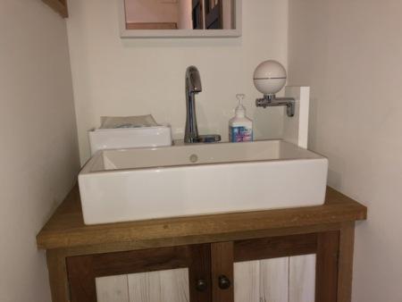 自動水栓の手洗い場