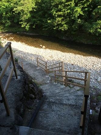 熊野四季亭川への階段