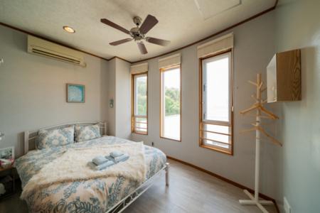 寝室1、きれいな海を眺めながらリラックス