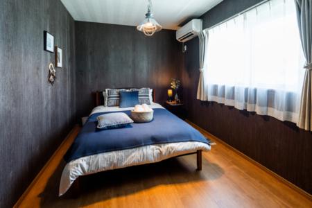 寝室4,落ち着いたブラウンのお部屋