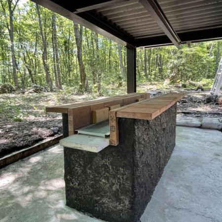 屋根付大型炭式バーベキュースペース