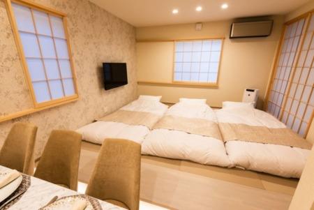 B-1 寝室