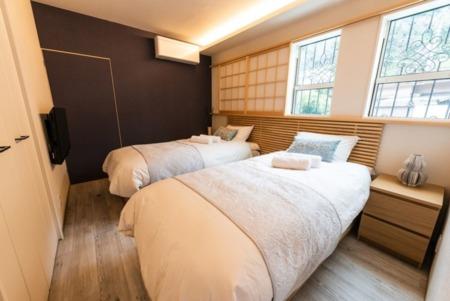 B-2 寝室