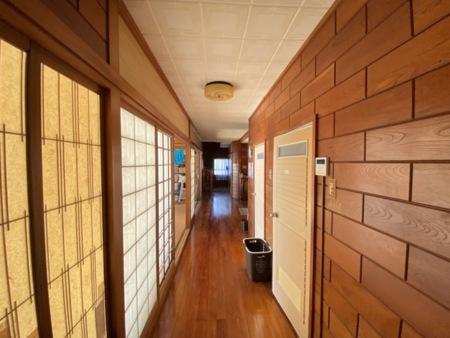 風通しの良い廊下