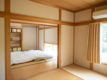 和室2部屋です。2階に洋室とトイレです。