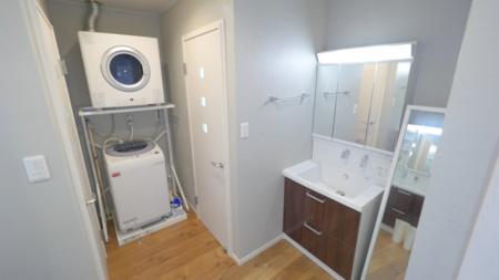 お沖縄洗濯機と乾燥機を完備しています